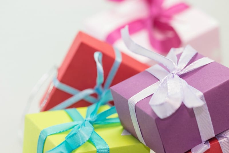 Pastel gift packages for teen girls